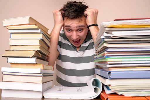 diplom it ru Сколько по времени пишется дипломная работа  Многих современных студентов сегодня беспокоит вопрос сколько же по времени пишется их дипломная работа и успеют ли они защитить ее в срок