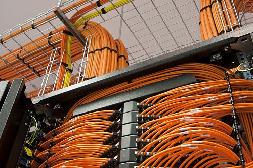 diplom it ru Дипломы по сетям В последнее время локально вычислительные сети ЛВС стали очень популярным средством для объединения нескольких рабочих станций в единую подсистему